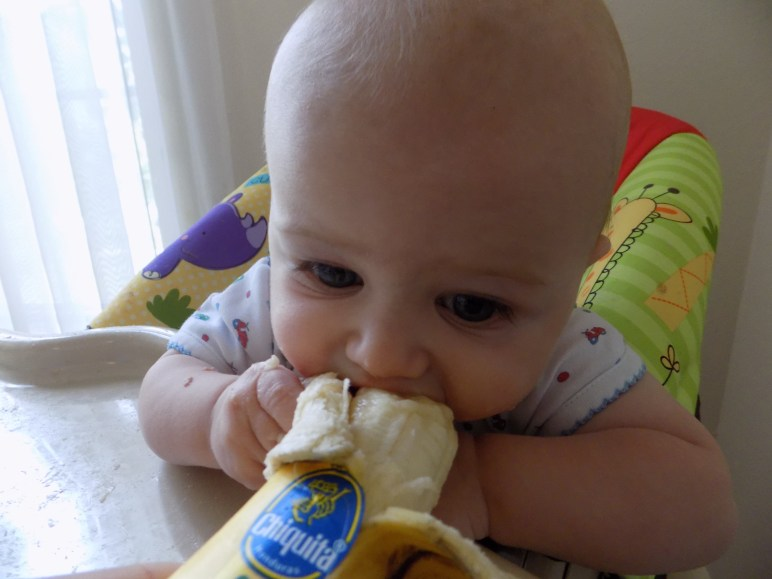 Aiden eating bananna