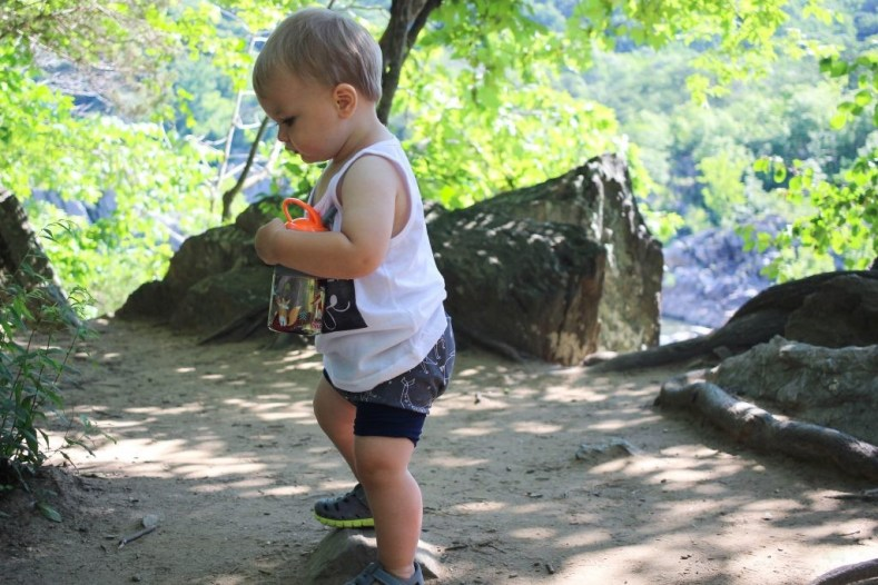 During the summer it is so important to keep your toddler hydrated. Use these tips to keep your toddler hydrated, plus toddler approved infused water ideas.