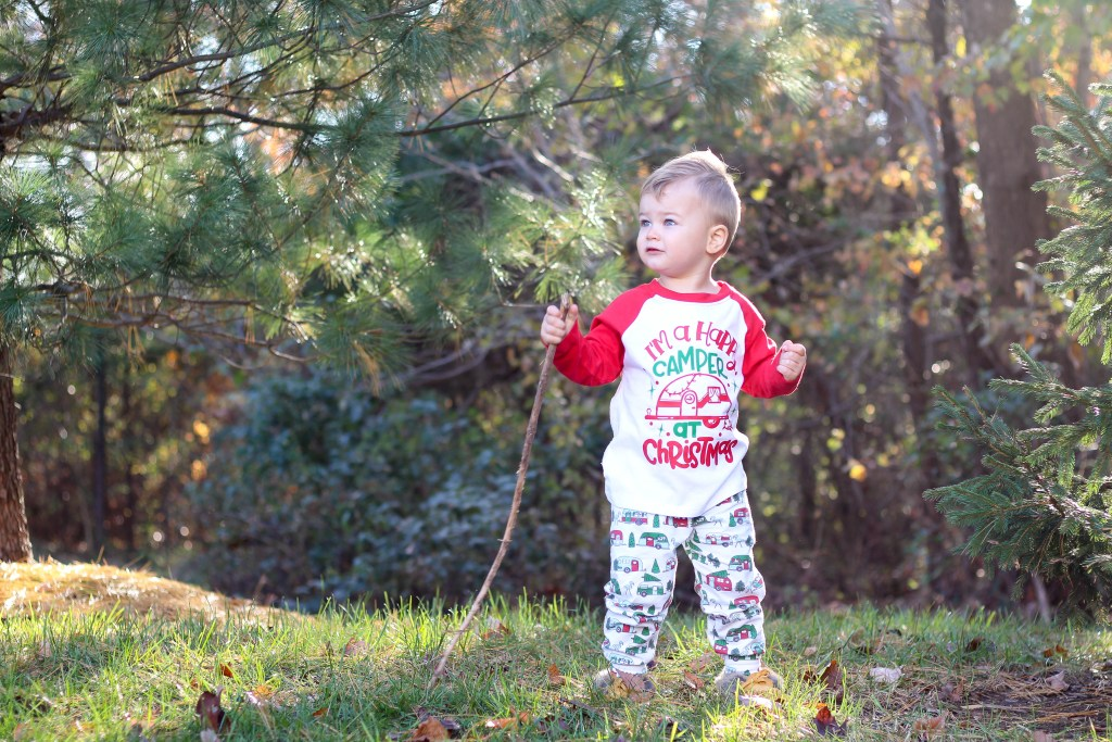 Festive Holiday Outfits for Babies and Toddlers
