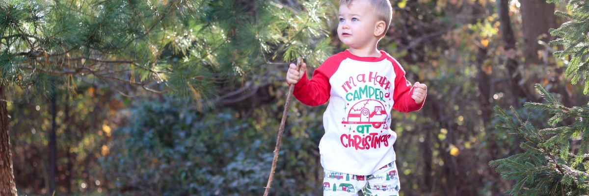 The holidays are officially here -- time is flying! Here is a round-up of my favorite festive holiday outfits for babies & toddlers.
