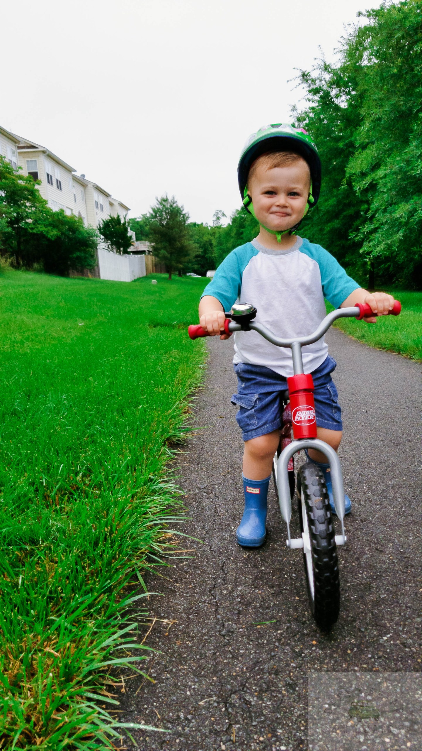 Must Have Summer Essentials for Toddlers featured by popular DC mommy blogger Baby Castan on Board