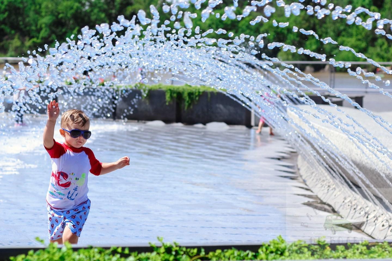 best splash pads in DC_Toddler in Georgetown Park_web