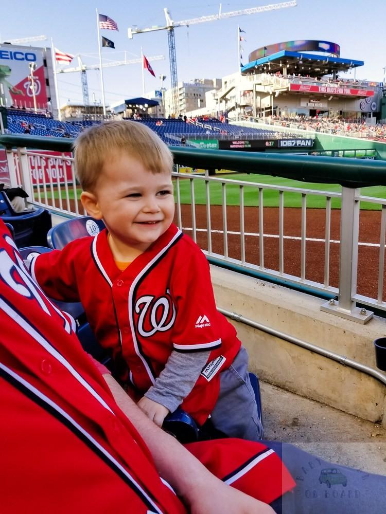 washington nationals baseball team_toddler smiling at baseball game