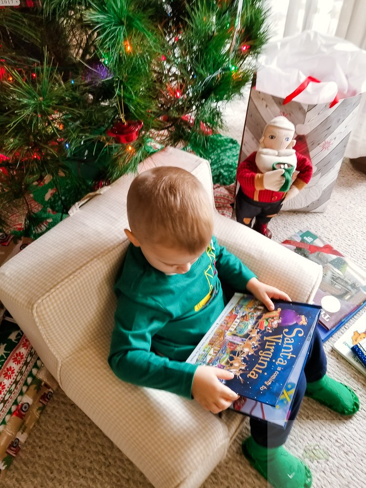 Our Favorite Christmas Books for Toddlers featured by top Washington DC mommy blog, Baby Castan on Board: Santa is Coming to Virginia