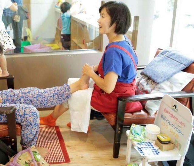 【託児付・クセになる爽快感】足もみリフレor楽健法(足圧整体)体験