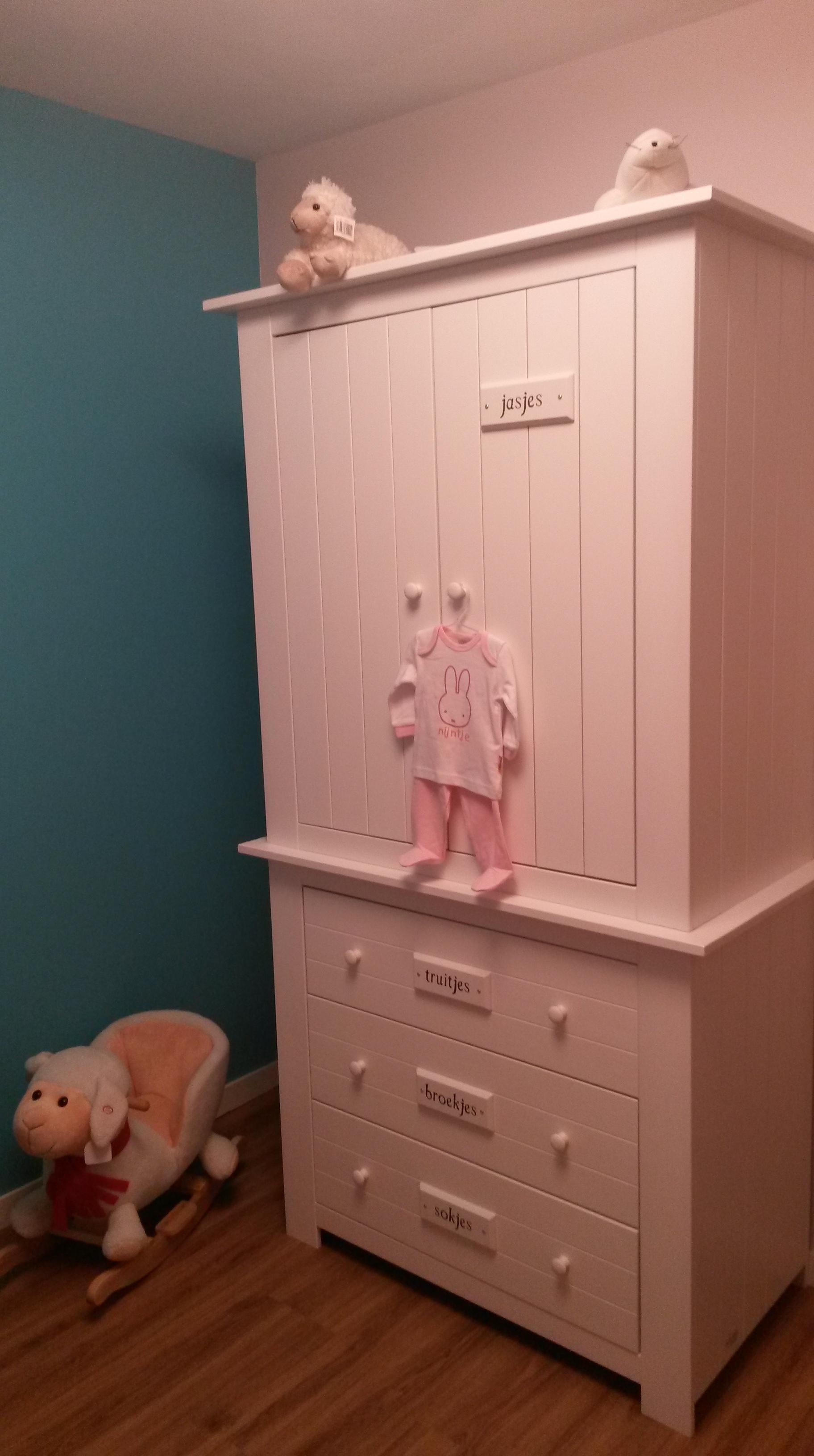 Sneak preview: de babykamer   meisje eigenwijsje
