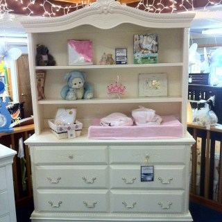 Nursery furniture picked & sneak peek of Baby Girl!