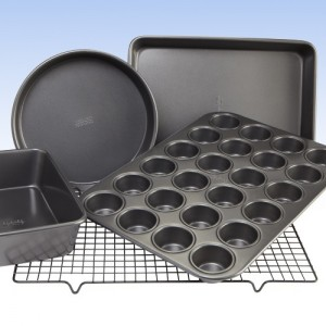 {Giveaway} Chicago Metallic launches 'Everyday Bakeware' on Zulily today! Win a new set!