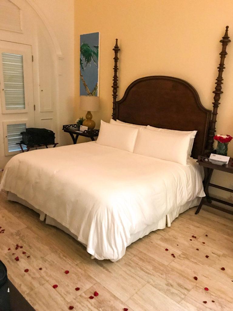 bed in guest room at Casa Antillana