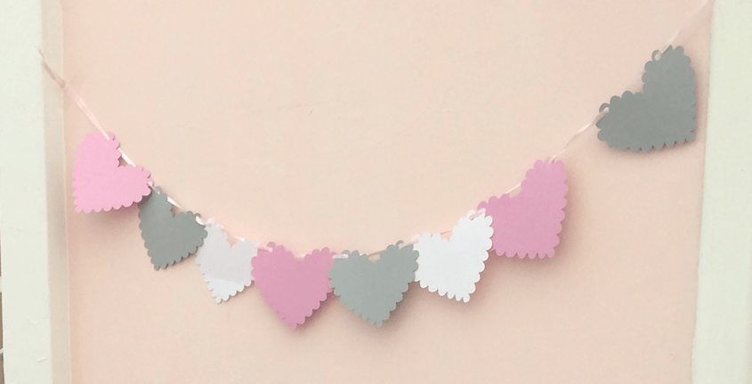 Scalloped heart-shaped garland!