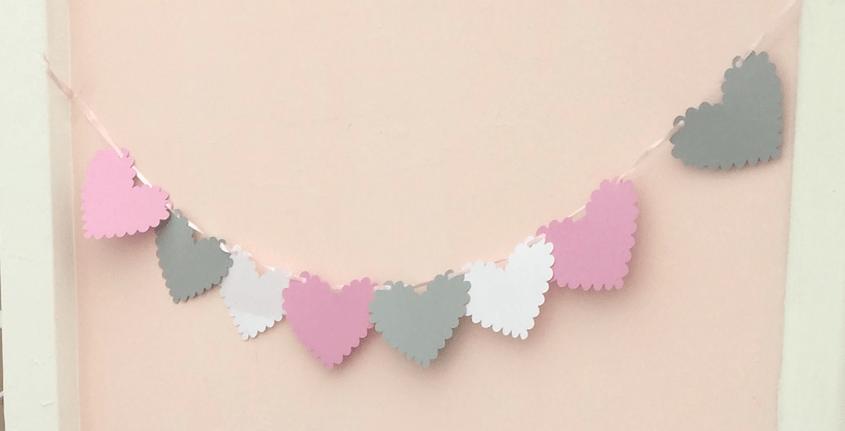 Scalloped heart-shaped garland!