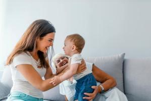 Bebê conversando