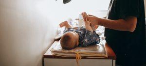Troca de fraldas: respostas para as principais dúvidas dos pais