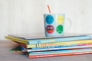 Pile of children's books, feature image
