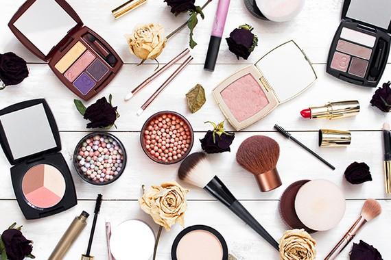Produit maquillage pas cher : Accessoires make up, cosmetiques ...