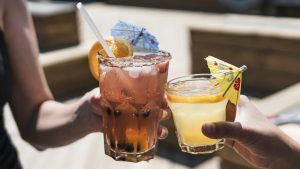 8-holiday-drinks-to-enjoy-if-you're-vegan