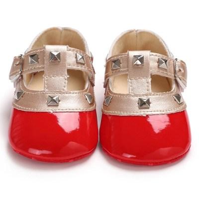 Zapatos rojos con diseño