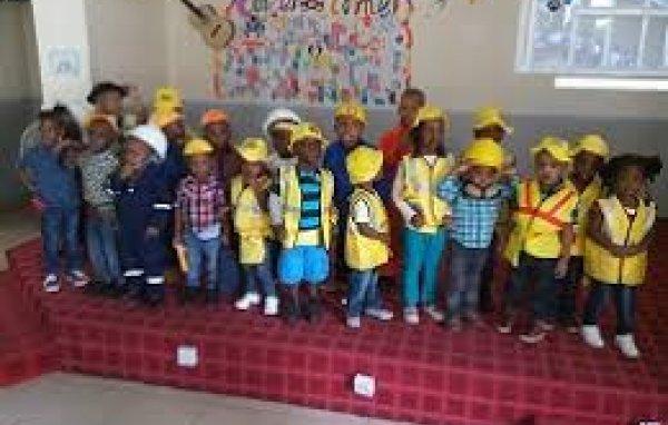 Bluebell Montessori School is a private creche/day centre/school in Port Harcourt. Rivers   Babymigo