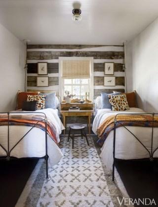 gallery-1444418322-guest-room-2-copyA