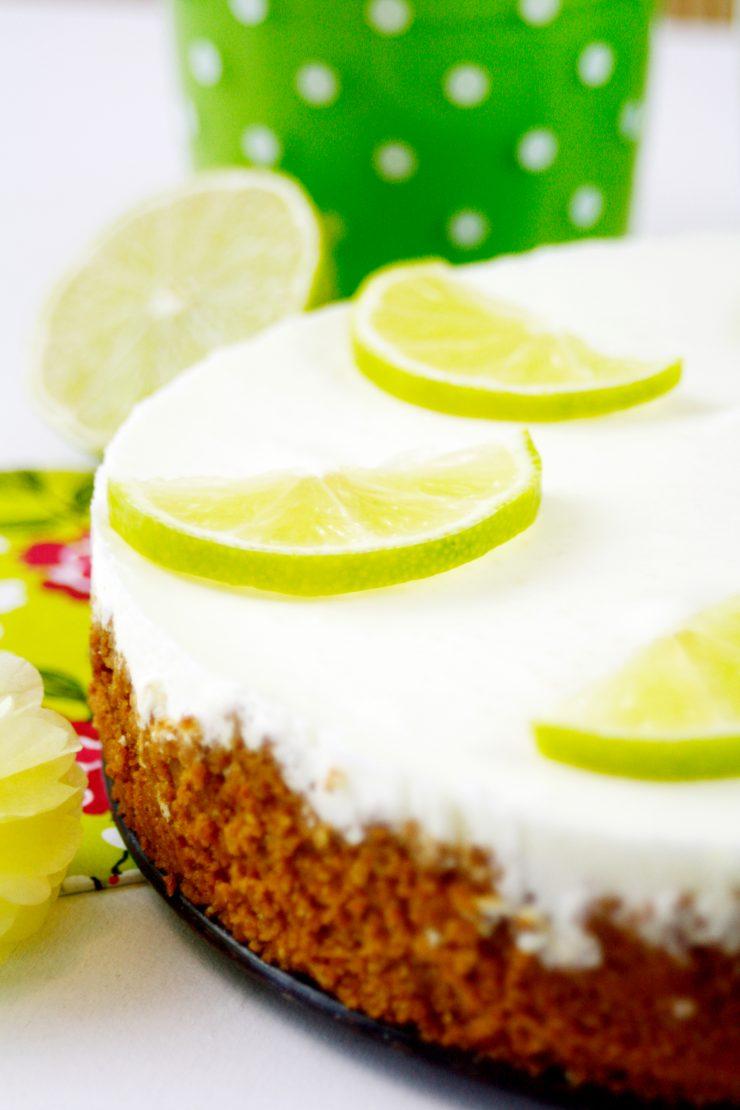 Half Bake Lemon Cheesecake by  http://babyrockmyday.com/half-baked-lemon-cheesecake/