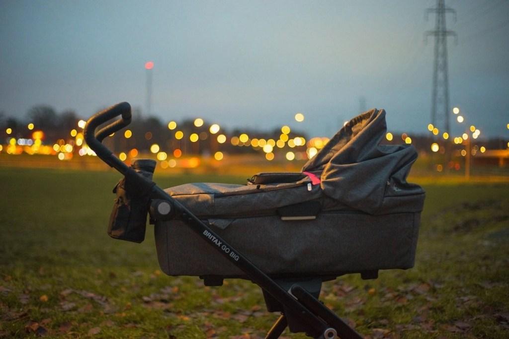 best travel stroller featured image