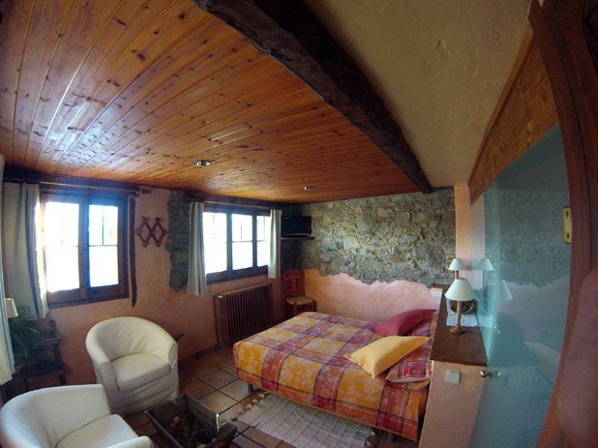 Dormitorios casa rural Cal Rei
