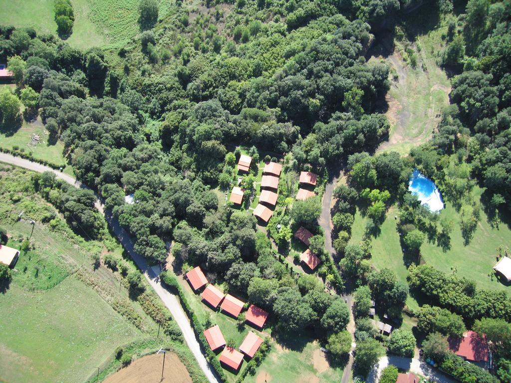 Camping ecológico Lava con mini granja y actividades