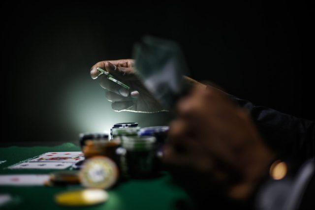 德州撲克翻牌圈中特定的幾手牌
