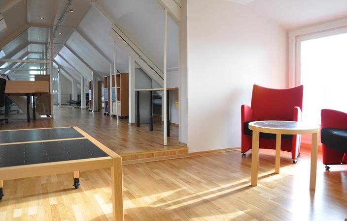 TeamConsulting ~ innredning under skråvegge / furnishing under sloping walls