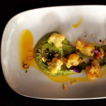 Fried cauliflower with roasted pea hummous