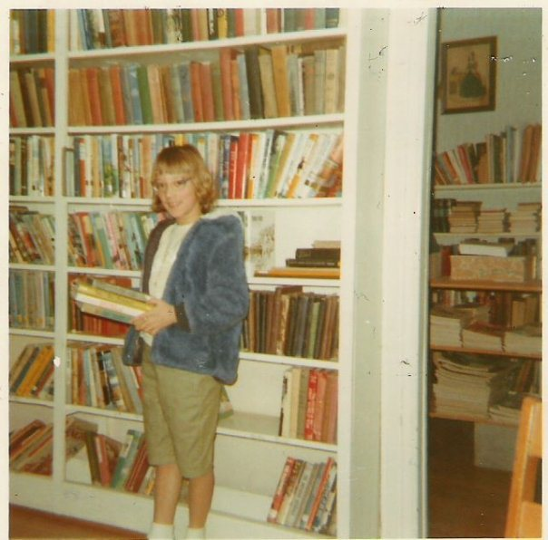 Posing at the North Fairfield, Ohio Library--aren't I something?