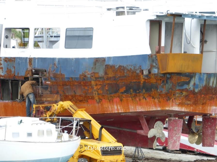 Ship repair being done