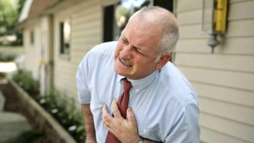 Đột quỵ do nhồi máu não thường xảy ra ở người già