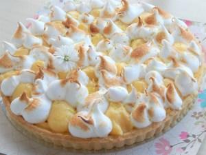 Lemon Pie (8 Porciones) 8  Disfruta de un delicioso roscón relleno con una deliciosa nata vegetal con notas de vainilla y fresas naturales. Elabora de una manera deliciosa y esponjosa con ingredientes naturales.    <em>Es recomendable consumir este producto en 24 horas.</em>