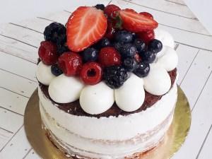 Victoria Sponge Cake - Sin gluten y/o vegano (desde 8 Porciones) 9  ¡Pastel perfecto para pecadores del chocolate! Espectacular pastel de chocolate con varias capas de deliciosa y cremosa ganache en un bizcocho esponjoso con toque de café.Éste producto se mantiene en perfectas condiciones tras3 días desde la entrega.<strong>🕑Realiza tu pedido antes de las 2:00pm y recíbelo mañana o el día que tu elijas.</strong>