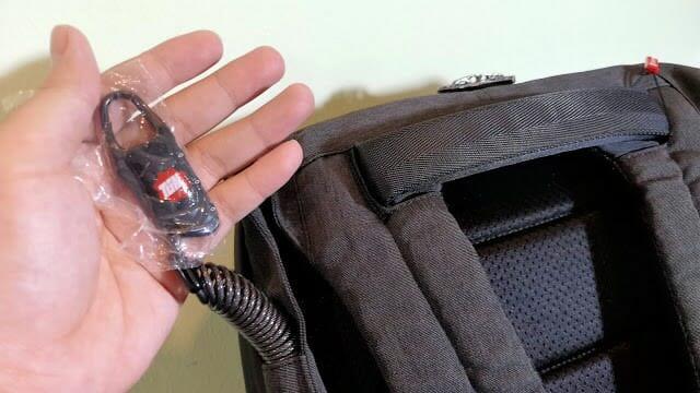 - รีวิว TIGERNU STEEL T-B3335 เป้ 15.6 นิ้ว กันน้ำ มีช่องชาร์จมือถือ ใส่แก้วพกร่มได้