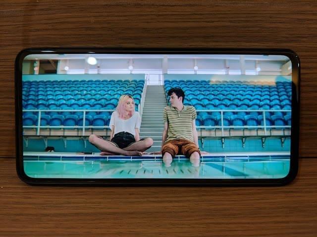 - IMG 20190204 210505 - รีวิว Xiaomi Mi MIX 3: สเปกโหดสะใจ จอไร้ขอบไร้ติ่งเต็มตา วัสดุเซรามิกหรูหรา ในราคา 18,999 บาท