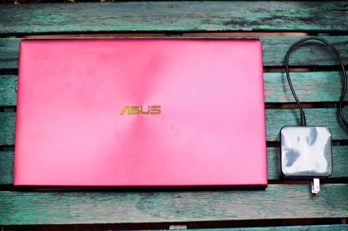โน๊ตบุ้ค - OI000115 - รีวิว ASUS ZenBook 13 (UX333F) Burgundy Red สีแดงโดดเด่น เห็นแต่ไกล