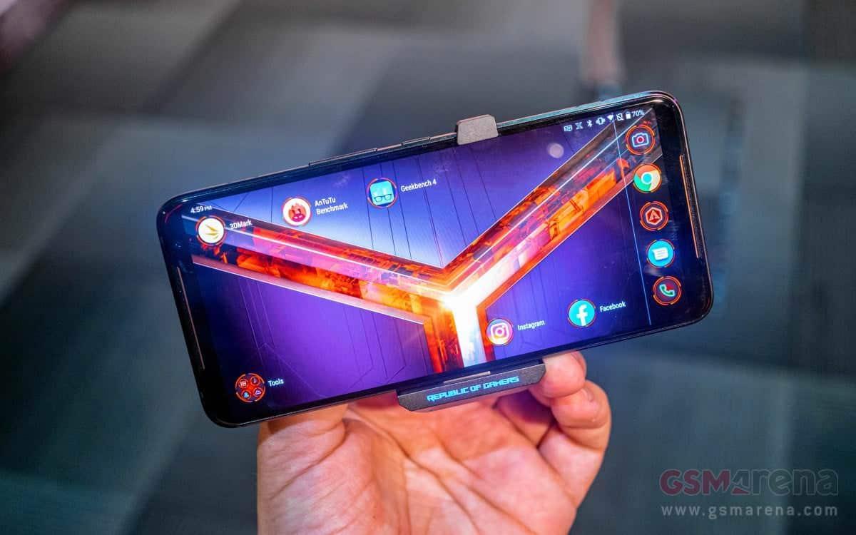 - เปิดตัว ASUS ROG Phone II สเปกระดับท็อปจุใจคอเกม พร้อมจอ AMOLED 120 Hz HDR