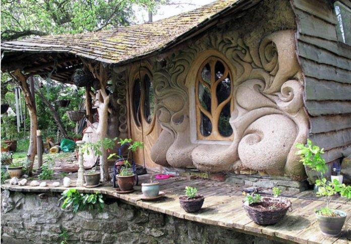 Глинена-къща