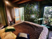 0009-earthship-bedroom