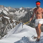 Човекът, който почти изкачи Еверест без дрехи
