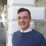 Image shows Doctor of Chiropractic Dr Stuart Soffe smiling outside of Lushington Chiropractic his blog is about the differences between physiotherapist and chiropractor