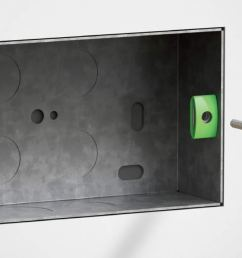back box showing back box saver fitted to lug  [ 1167 x 703 Pixel ]
