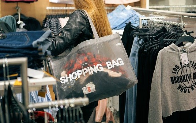 Shopping Image by Andreas Lischka from Pixabay