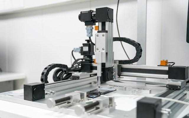 Autonomous Testing Robot at OPPO Communication Lab