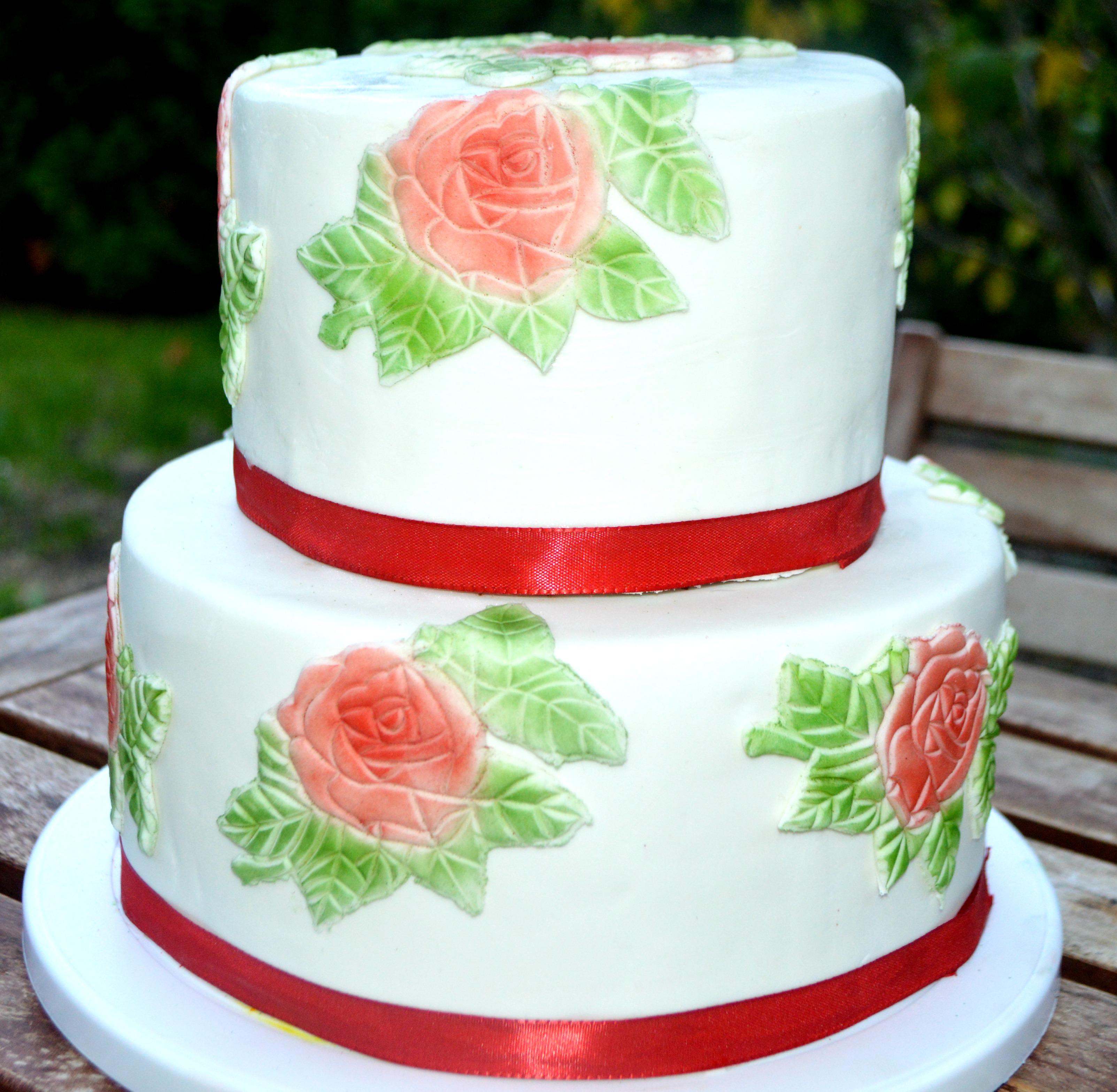 2 Stockige Torte Mit Fondant Torte Mit Rosen Tortenkreation Shs