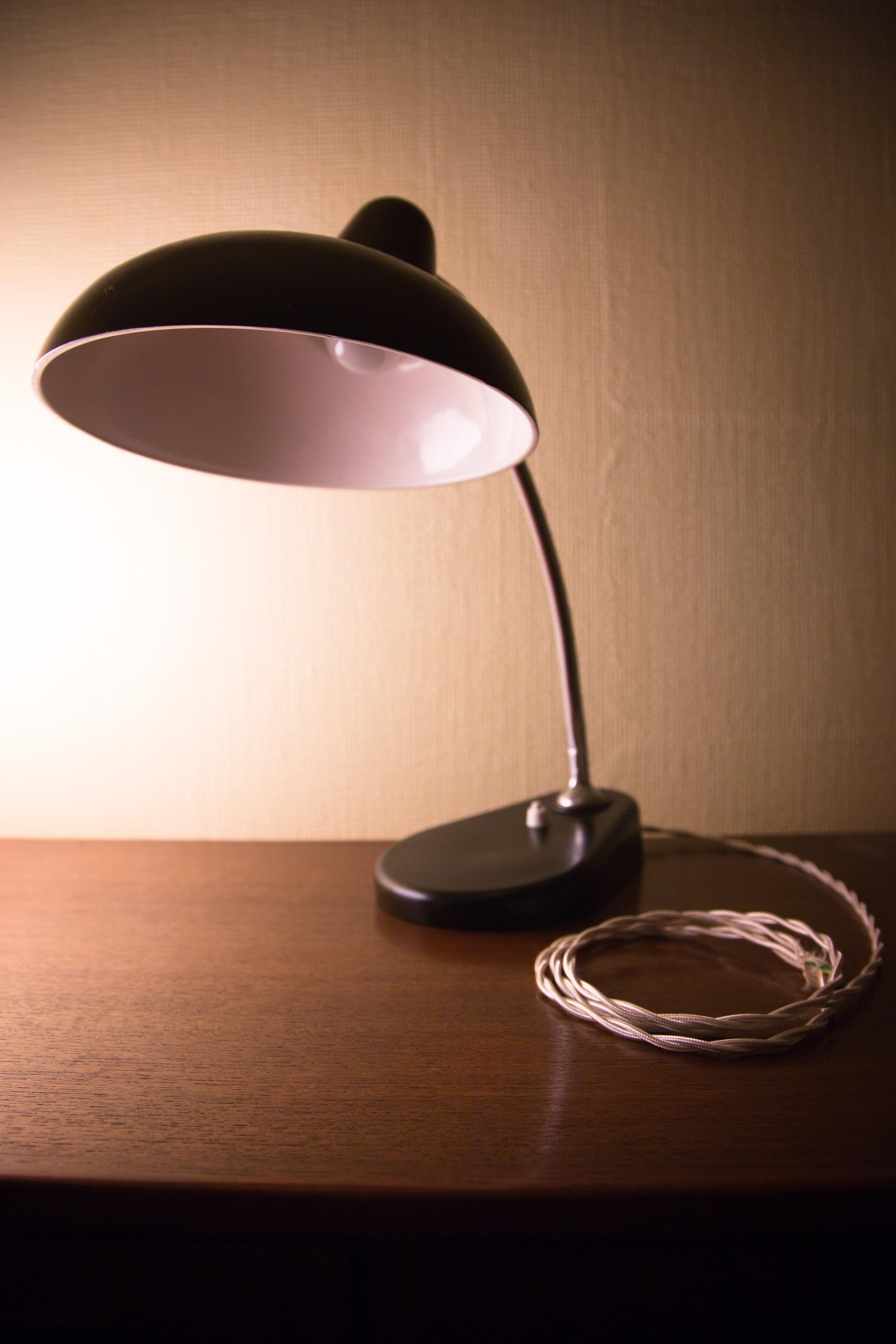 Lampada da tavolo in bachelite anni 50