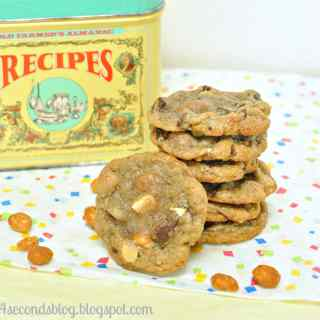 Comfort Cookies #chocolatechip #cookies #cinnamon #whitechocolate #peanuts