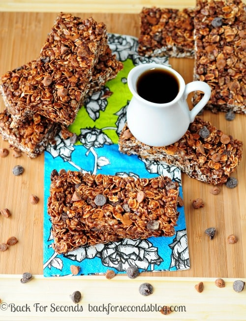Maple Chocolate Cinnamon Granola Bars https://backforseconds.com #granolabars #recipe #chocolate #cinnamon #maple